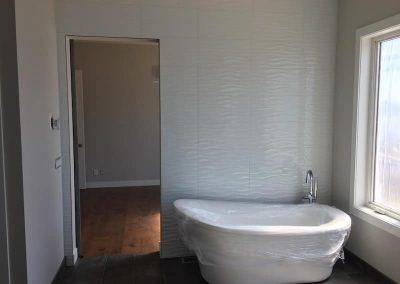 Arden bathroom White Wavy Tile